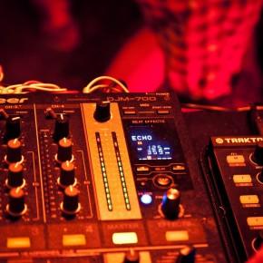DJM700